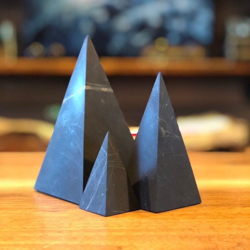 Shungite_High_Pyramid-Raw
